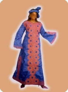 Boubou robe bazin riche art et artisanat africain du Mali modèle ref 5010