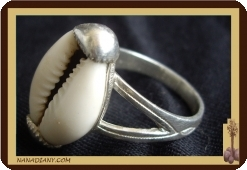 Silver sterling and cowrie ring
