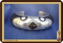 Tuareg African bracelet in ebony and solid silver