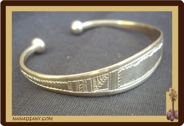 50432f56e622e0 Bracelet touareg en argent massif Ref 2009, nanadiany