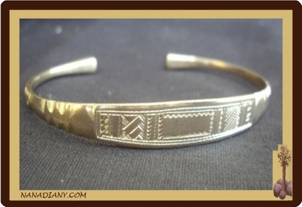 1a00e43971c654 Bracelet touareg en argent massif Ref 2010